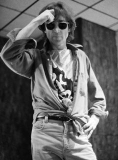 We All Live In A Yellow Submarine,Yellow Submarine — John Lennon  NYC, October 24th 1980