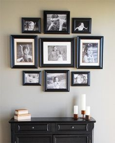 New wall picture hanging frame layout 47 Ideas Picture Frame Arrangements, Photowall Ideas, Decoration Photo, Frames On Wall, White Frames, Picture Frames On The Wall Stairs, Hanging Pictures On The Wall, Hanging Photos, Cool Walls