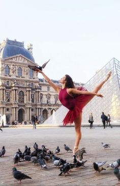 The ballerina or the bird whisperer ? 🤣 I was so afraid to kick the birds or scare the bird on my hand. Turned out to be such a cool shot at the captured by during my workshop in Paris ! * Tutu and leotard from * Pointe shoes * Photography by * Dance Photography Poses, Dance Poses, Photography Courses, Sport Photography, Creative Photography, Portrait Photography, Photography Ideas, Ballet Pictures, Dance Pictures