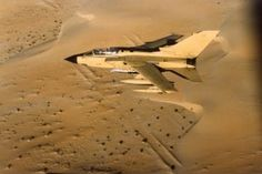 RAF Tornado - Down Over Iraq - The Dangerous side of being a Fighter Pilot (Video) Fighter Pilot, Fighter Aircraft, Fighter Jets, Military Videos, Military History, Royal Marines, Us Marines, Military Weapons, Military Aircraft