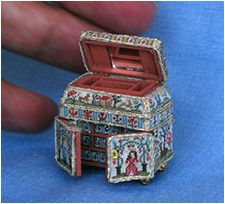Mini Stitches Gallery, using a wooden box by Mark Murphy measuring 1 inch wide by 1 inch hing and 5/8 inche deep.