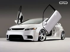 white Honda Civic Si