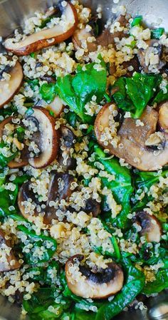 Spinach and mushroom quinoa sauteed in garlic and olive oil. Gluten free, vegetarian, vegan, low in carbs and calories, high in fiber #healthy_recipes – More at http://www.GlobeTransformer.org