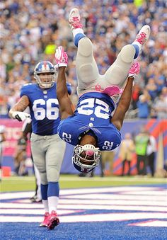 David Wilson of the New York Giants celebrates in the end zone after scoring a touchdown against the Philadelphia Eagles at MetLife Stadium ...