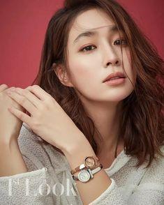 Jung So Min, Sulli, Cartoon Art, Michael Kors Watch, Korea, Photoshoot, Actresses, Actors, Celebrities