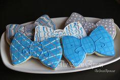 24 Bow Tie Decorated Sugar Cookies by TheGreenApronAR on Etsy Bow Tie Cookie Recipe, Bow Tie Cookies, Fancy Cookies, Iced Cookies, Cut Out Cookies, Cute Cookies, Royal Icing Cookies, Sugar Cookies, Birthday Cookies