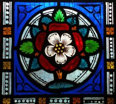Tudor Rose stained glass window in the Chichester Cathedral Tudor Rose, Stained Glass Paint, Stained Glass Panels, Leaded Glass, Arabesque, L'art Du Vitrail, Wine Bottle Wall, Wine Bottles, Tudor Era