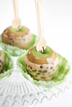Chocolate Chip Cookie Dough Caramel Apples