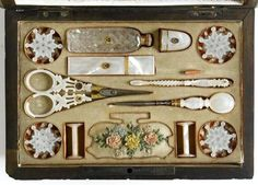Mother of Pearl sewing tools. The Palais Royal is in Paris ~ some of the most beautiful antique shops you can find ~ Epi Sewing Case, Sewing Tools, Sewing Crafts, Sewing Kits, Art Fil, Vintage Accessoires, Vanity Set, Vintage Sewing Notions, Antique Sewing Machines
