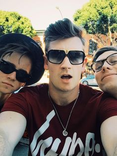Joe Sugg, Oli White and Will Darbyshire - LA with these guys British Youtubers, Best Youtubers, Will Darbyshire, Joseph Sugg, Buttercream Squad, Sugg Life, Celebrity Selfies, Marcus Butler, Vlog Squad