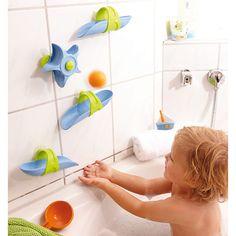 Spritziger Kugelbahn-Spaß beim Plantschen – mit der Kugelbahn für die Badewanne von HABA!<br /> <br /> Die Kugelbahnteile von HABA können mittels Saugnäpfen flexibel an der Badezimmerwand angebracht werden. Mit der enthaltenen Schöpfkelle wird nun Wasser in das erste Bauteil der Kugelbahn geschöpft und das plätschernde Wasser beobachtet. Der spritzige Kugelbahn-Spaß für die Badewanne regt zum Experimentieren an und fördert die Kreativität Ihres Kindes.<br /> ...
