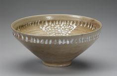 Buzzard Bowl. Jugtown Pottery. Seagrove, NC c. 1930-40. Collection. The Mint Museum -Decorative Arts. Charlotte NC.