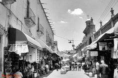 Foto de calle vista de un lado de mercado municipal de San Juan de los Lagos