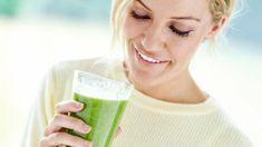 Co přidat do smoothie, když chcete hubnout nebo dodat energii? Fruit Juice, Nutribullet, Glass Of Milk, Smoothies, Food And Drink, Health Fitness, Detox, Drinks, Smoothie