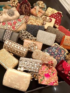 Almost wedding season! These beautiful clutches and bags will look stunning. From Shimmer, Dhaka Bangladesh Bridal Clutch, Wedding Clutch, Best Handbags, Purses And Handbags, Wedding Set Up, Wedding Season, Indian Wedding Favors, Potli Bags, Indian Accessories