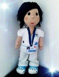 Amigurumi. Muñeca enfermera