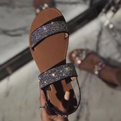 Find New Look's trendy number of ladies heeled footwear, by using prevent heel footwear, strappy sandals and system styles. Pretty Shoes, Cute Shoes, Me Too Shoes, Casual Bags, Casual Shoes, Womens Summer Shoes, Cute Sandals, Shoes Sandals, Shoes Sneakers