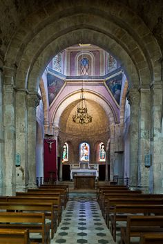 Nave, Église Notre Dame, Vinezac (Ardèche) Photo by PJ McKey