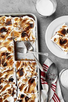 Cheers to the Weekend: S'mores Slab Pie is a great summer dessert to make for a crowd! The classic s'mores reinvented on one large baking sheet!