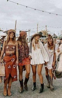 Bohemian style 348747564893570326 - 200 Boho-Style Fashion Looks Sour. - Bohemian style 348747564893570326 – 200 Boho-Style Fashion Looks Source by emmajoandcom - Moda Hippie, Moda Boho, Hippie Boho, Boho Gypsy, Hippie Girls, Gypsy Girls, Hippie Hair, Hippie Jewelry, Gypsy Style
