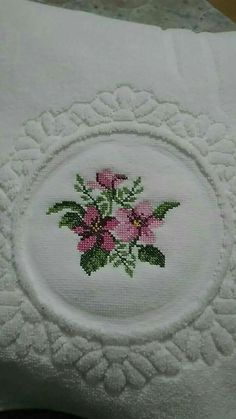 This Pin was discovered by Seb Cross Stitch Borders, Cross Stitch Rose, Cross Stitch Flowers, Baby Knitting Patterns, Hand Knitting, Crochet Patterns, Hand Work Embroidery, Ribbon Embroidery, Hand Work Design