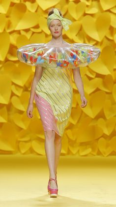 Lorrain doesn't know how to swim, but we made sure she could still play with us at the beach! by Agatha Ruiz for Prada Runway Fashion, Fashion Art, High Fashion, Fashion Show, Fashion Design, Prada, Weird Fashion, Colorful Fashion, Mode Pop