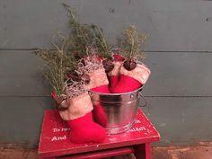 Primitive Christmas, Planter Pots, Prim Christmas, Vintage Christmas