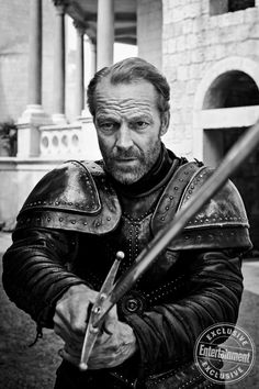 Gorgeous Game of Thrones portraits from season 8 - Jorah Mormont (Iain Glen) Game Of Thrones Facts, Game Of Thrones Costumes, Game Of Thrones Funny, Got Game Of Thrones, Game Of Thrones Series, Game Of Thrones Characters, Cersei Lannister, Daenerys Targaryen, Tv Shows