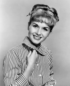 vintage-hollywood-girl:    Debbie Reynolds