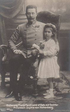 Archduke Franz Ferdinand of Austria with his daughter, Princess Sophie of Hohenberg.