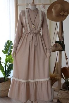 Stylish Dresses For Girls, Stylish Dress Designs, Batik Fashion, Abaya Fashion, Girls Fashion Clothes, Fashion Dresses, Mode Turban, Modele Hijab, Kawaii Dress
