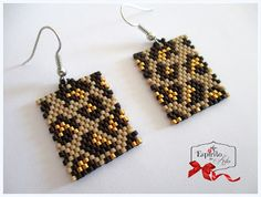 Tiger Skin Earrings (peyote)