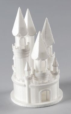 Top your beautiful cake with these Styrofoam Castles. Each castle comes preassembled and is very light weight. Easily airbrush, pipe on with buttercream, or color with a marker to add detail. Make bea Floral Wedding Cakes, Wedding Cake Designs, Foam Crafts, Diy Crafts, Princesa Alice, Princess Party Decorations, Cake Wrecks, Party Items, Cake Tutorial