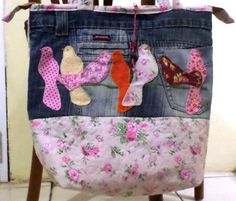 Bolsa com jeans reciclado e patch aplique. Artesã Eliane David.
