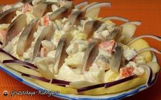 Праздничный салат с селедкой под названием «Венеция» может некоторых удивить присутствием груши и яблока в рецепте. Не удивляйтесь и обязательно попробуйте приготовить этот оригинальный с…