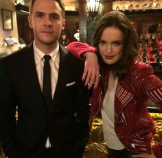 Off set, Iain in a suit!!