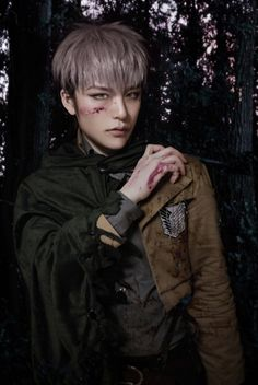 I rarely like cosplays but this is really good.Jean, Shingeki no Kyojin | REACH - WorldCosplay