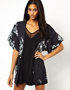 Oh My Love Kimono in Dark Floral