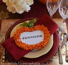 Puzzle piece Thanksgiving place cards are a fabulous DIY way to dress up your holiday table. Thanksgiving Place Cards, Thanksgiving Crafts, Thanksgiving Decorations, Fall Crafts, Halloween Crafts, Crafts For Kids, Autumn Decorations, Halloween Table, Halloween Ideas