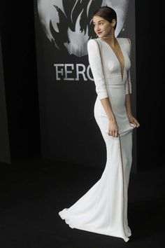 Shailene Woodley Smolders In White-Hot Dress At 'Divergent' Premiere In Berlin by violet Shailene Woodley, Hot Dress, Dress Up, Jumper Dress, Pink Dress, Moda Outfits, Red Carpet Dresses, Red Carpet Fashion, White Fashion