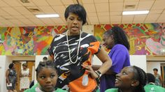 Mayor Stephanie Rawlings-Blake serves lunch at Lillian Jones Rec Center