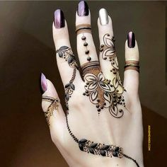 50 Most beautiful Finger Mehndi Design (Finger Henna Design) that you can apply on your Beautiful Hands and Body in daily life. Modern Henna Designs, Pretty Henna Designs, Peacock Mehndi Designs, Khafif Mehndi Design, Finger Henna Designs, Mehndi Designs For Fingers, Stylish Mehndi Designs, Mehndi Design Photos, Best Mehndi Designs