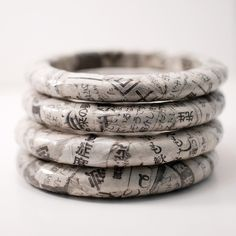 save of Recycled Newspaper Eco-Bangle Bracelet Japanese Kanji Paper Bead Jewelry, Paper Beads, Resin Jewelry, Jewelry Crafts, Recycled Paper Crafts, Newspaper Crafts, Recycled Crafts, Bracelet Making, Jewelry Making