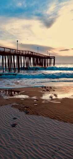 There's just something magical about the waves crashing into the Ocean City Fishing Pier, even on a chilly January morning. City Aesthetic, Beach Aesthetic, Summer Aesthetic, Beach Town, City Beach, Ocean Beach, Ocean City Md, Ocean Life, New Backgrounds