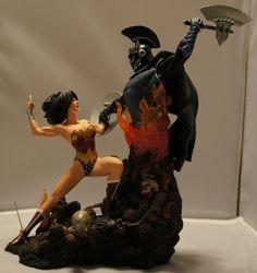 DC Direct Wonder Woman vs Ares statue