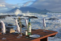 On the Rocks, Bloubergstrand. Cape Town, South Africa