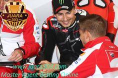 Berita Bola: Lorenzo Butuh Bantuan Stoner di Ducati