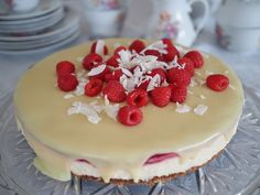 Kokos-Himbeertorte mit weißer Schokolade   KleineLoeffelHase Baking, Simple, Cake, Desserts, Food, Pies, White Chocolate, Whipped Cream, Gift Table