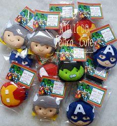 Felt Diy, Felt Crafts, Pluto Planet, Felt Ornaments, Christmas Ornaments, Avengers Birthday, Batman Party, Lego Marvel Super Heroes, Felt Dolls