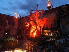 Pirate Halloween Yard Display
